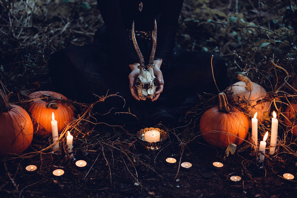 3 Ways to Plan a Successful Halloween Party This Year